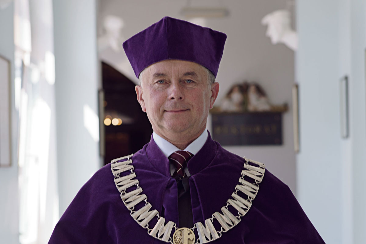 Dr hab. Wiesław Szwast, prof. UO